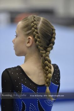 Gymnasten hebben tijdens hun turnoefening ongemak van hun haar, of willen zich nog beter presenteren voor het publiek en/of juryleden. Een verzameling kapsels in 2014
