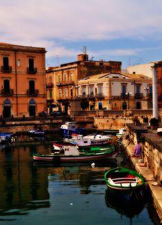 Siracusa, Sicilia, Italia: la antigua ciudad griega más occidental.  #siracusa   #sicilia #sicily