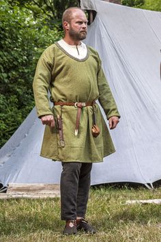 Early medieval West Slavic costume
