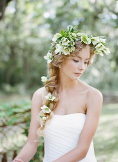Hellebore flower crown - beautiful hellebore wedding flower ideas for winter brides // The Natural Wedding Company