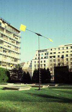 TAKIS, Vassilakis (1925-) :SIGNAUX EOLIENS, 1993 :LA COLLECTION DES ŒUVRES D'ART DE L'UNESCO