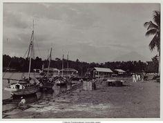 Menado gezicht op Menado Rivier, Singkelbrug en Klabat 1910.