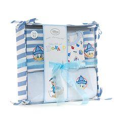 Per il mio procuginetto, pagliaccetto, ghettina, asciugamano e berrettino!!! troooppo belli!!! il tutto in una graziosa scatola di stoffa!!! <3 <3 <3