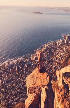 Complete guide to the Lion's Head in Cape Town, South Africa. Lions South Africa, Cape Town South Africa, Lions Head Cape Town, Places To Travel, Places To Visit, Africa Destinations, Travel Destinations, African Safari, Africa Travel