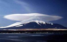 mt.fuji 勇壮な富士山。