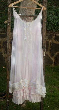 ..need to sew some new nightgowns. love this.
