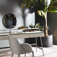 25 best glass desks images glass desk office desk window table rh pinterest com
