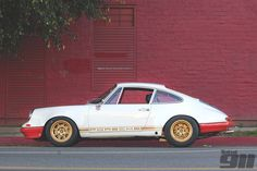 Get inspired by 60 of the coolest Porsche restomods and outlaws. We applaud every RSR clone, hot-rod RAUH-Welt Begriff creation and personalized Porsche. Porsche Rsr, Custom Porsche, Rauh Welt, Vintage Porsche, Super Cars, Planets, Transportation, Wheels, Inspired