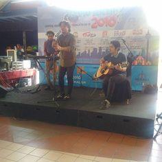 Kumpulan @radioisland_official on stage #liveupdateklfm @klfm97.2  #radioaktif2016 sempena @rtm_malaysia Ke-70 #RTM70 di @menarakl