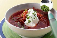 Pikainen borssi ✦ Borssi on itä-eurooppalainen hapan keitto, jonka pääraaka-aine on usein punajuuri. Borssin kanssa tarjotaan hapankermaa ja leipää. Pikainen borssi on oiva resepti kiireiselle borssin ystävälle. http://www.valio.fi/reseptit/pikainen-borssi/ #resepti #ruoka