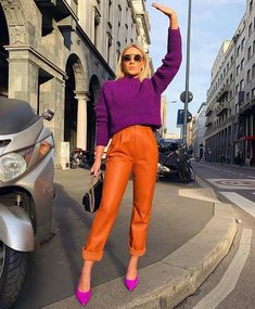 Spring 2019 Trend Hiding in Your Closet: Crayola Biggest Fashion Trends To Try In 2017 Street Style Trend Latest Casual Winter Fashion Trends Ideas 2019 Spring Fashion Casual, Look Fashion, Spring Outfits, Girl Fashion, Autumn Fashion, Womens Fashion, Fashion Clothes, Style Clothes, Cut Clothes