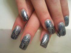 silver - http://nailart-gallery.com/2013/11/silver/