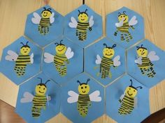 Newest Pic preschool crafts bugs Popular This website offers SO MANY Kids crafts that happen to be proper for Preschool as well as Toddlers. Insect Crafts, Bug Crafts, Kindergarten Art, Preschool Crafts, Bee Activities, Art For Kids, Crafts For Kids, Bee Art, Craft Free