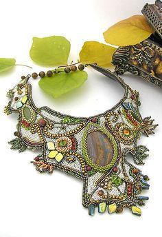 """Впечатляющая вышивка бисером — колье """"Осенние лабиринты"""" от Ольги Баранниковой: http://www.livemaster.ru/item/4604293  Работа дня на Ярмарке Мастеров #bead #beadart #necklace"""