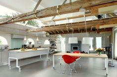 rénovation grange, poutres apparentes, structures lumieres et amenagement espace