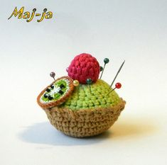 Crochet Cakes* kiwi and raspberries *Crochet Cupcakes* Knit Cakes* Knit Food…