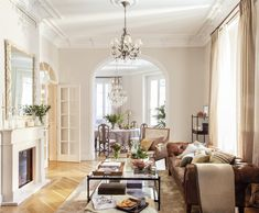 Trendy fancy table lamps for living room to inspire you Fancy Living Rooms, Comfortable Living Rooms, Classic Living Room, Living Room Modern, Living Room Decor, Small Living, Sitting Room Lights, Sala Grande, Living Room Flooring