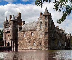 The Château de Trécesson, near the Paimpont forest, Campénéac, Morbihan, Brittany, France - www.castlesandmanorhouses.com