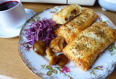 Pieczarki z mozzarellą w cieście francuskim na szybki obiad