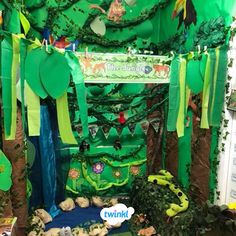 Twinkl rainforest role play - we LOVE Hannah's rainforest explorers role play area. Click the pin to download your rainforest role play resources pack including displays, activities, worksheets, inspiration and much more! Perfect for your early years classroom.