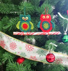 Repeat Crafter Me: Crochet Owl Candy Cane Ornaments.