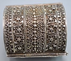 Yemen | Cuff, silver with minute granulation | 19th c Jewish workmanship | Sold archives Singkiang ~ Info @singkaing.com