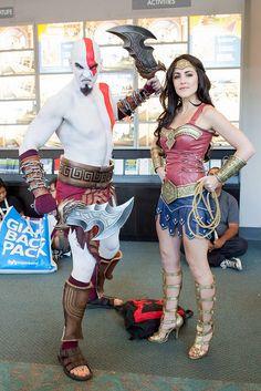 cosplay-god-of-war-kratos-and-wonder-woman-wonderwoman-01