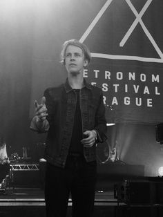 Tom Odell, Music Icon, Pretty People, Famous People, Fries, Toms, Handsome, Husband, Singer