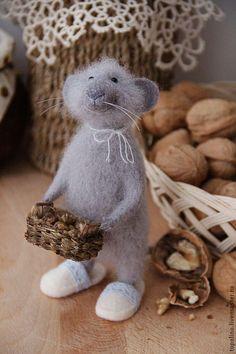 Мышонок Василий - серый,мышонок,мышь игрушка,мышка,войлочная игрушка,игрушка из шерсти