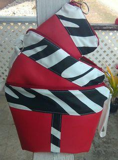 #cosmeticbag #wristlet #coinpurse #3in1 #set Cosmetic Bag, Gym Bag, Coin Purse, Bags, Fashion, Handbags, Moda, Toiletry Bag, Fashion Styles