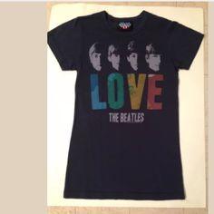 Beatles junk food t shirt sm/med Beatles T shirt.  Fits a small medium. Excellent shape Junk Food Tops Tees - Short Sleeve