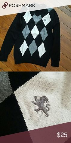 Express V-Neck Argyle Sweater Worn only once in great condition. No rips or stains Express Sweaters