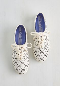 Wheel and Zeal Sneaker. Slipping into these white sneakers by Keds is the fastest route to fanciful style! #white #modcloth