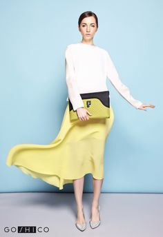http://goshico.com/en/a-large-clutch-with-a-detachable-leather-belt-flowerbag-1426.html PRICE: 81.70 €