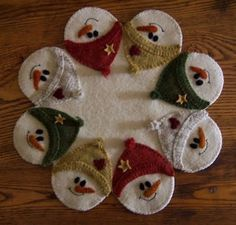 Wool penny rug appliqué--so adorable! Christmas Tree Design, Wooden Christmas Trees, Felt Christmas, Christmas Snowman, Christmas Crafts, Christmas Decorations, Christmas Ornaments, Grapevine Christmas, Christmas Tree Skirts Patterns