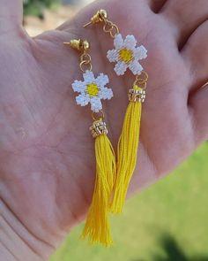 beaded earrings how to Seed Bead Jewelry, Bead Jewellery, Seed Bead Earrings, Feather Earrings, Diy Earrings, Earrings Handmade, Diy Jewelry, Handmade Jewelry, Yoga Jewelry