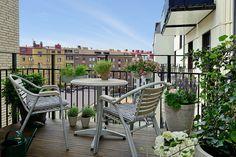 22 Charming Scandinavian Small Balcony Designs