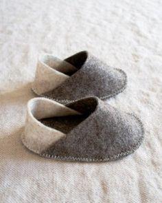 60942a6b7c39a come cucire scarpette in feltro per bambini Cartamodello gratis e tutorial