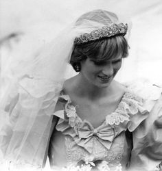 Princess Diana looking so pretty on her wedding day July 29,1981.