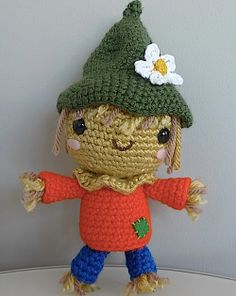 scarecrow tutorial and free pattern