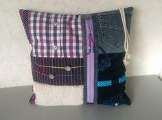 Fruffelkleedje/-kussen van GoodsToRemember #Fruffel #Alzheimer #Dementie Alzheimers, Caregiver, Diaper Bag, Pillows, Sewing, Fashion, Bed Pillows, Moda, Couture