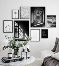 Gallery wall inspiration - Find these posters and more beautiful prints like thi. Gallery wall ins Inspiration Wand, Interior Styling, Interior Design, Deco Addict, Inside Design, Home Furnishings, Home Furniture, Family Room, Bedroom Decor