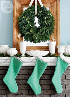 Beloved Christmas decorations and plenty of fresh greenery wrap this family home in cheery holiday style. Turquoise Christmas, Green Christmas, Christmas Colors, Christmas Decorations, Turquoise Dining Room, House Of Turquoise, Holiday Crafts, Holiday Decor, Holiday Ideas