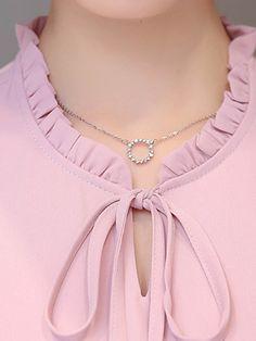 Short Sleeve Blouse, Short Sleeves, Neck Lines, Kurta Neck Design, Women Ties, Blouse Online, Blouse Styles, Shoulder Sleeve, Kurti