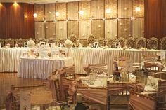 Beautiful!  Little table for ring bearer and flower girls!