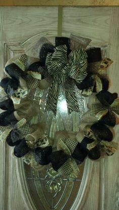 Burlap wreath! Love♥