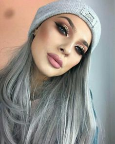 Silver Ash Hair, Grey Hair, Elegant Makeup, Christmas Makeup, Make Up, Hat, Hair Styles, Inspiration, Fashion