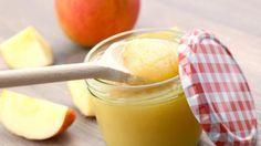 Apfelmus selber machen... meine abwandelung vanille-zucker (anstelle normaler Zu) und die äpfel nicht pürrieren, sondern mit kartoffel-stampfer zerdrücken... also keinen brei sondern mit kleinen stückchen!