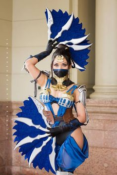 Kitana from Mortal Kombat cosplay by Cynthia Cos photo by Booki Anime Cosplay Girls, Epic Cosplay, Marvel Cosplay, Amazing Cosplay, Cosplay Outfits, Cosplay Costumes, Anime Girls, Kitana Mortal Kombat, Mortal Kombat Cosplay