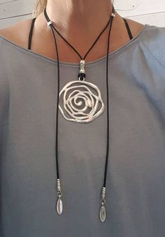 Boho silver plated big flower pendant Gypsy Hippie style summer woman leather necklace open endless wrap leather choker Check out our neckla. Leather Necklace, Boho Necklace, Leather Jewelry, Wire Jewelry, Boho Jewelry, Jewelry Crafts, Beaded Jewelry, Jewelery, Jewelry Necklaces